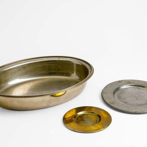 Gabriella Crespi, Set di tre oggetti da tavola comprendenti una ciotola svuotata…
