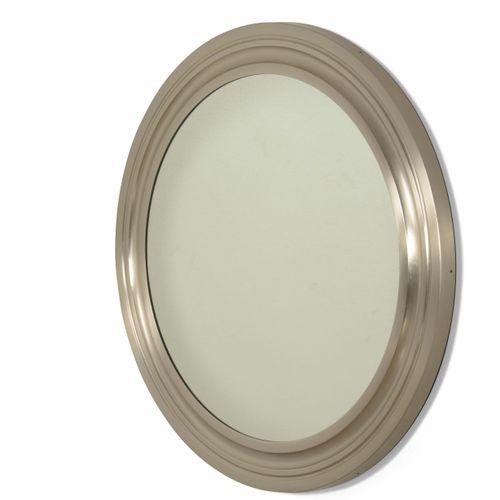 Sergio Mazza, 铝制框架的镜子。Artemide,意大利,约1960年。