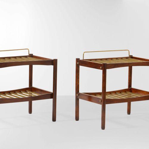 ISA, Coppia di portavaligie con struttura in legno e particolari in ottone. Prod…