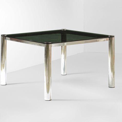 Tavolocon struttura in metallo cromato e piano cristallo., Prod. Italie, 1970 ca…