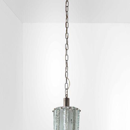 Lampada a sospensione con struttura in ottone nichelato e diffusore in vetro di …
