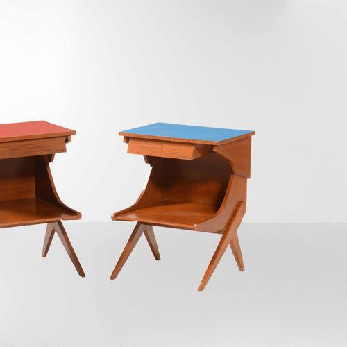 Due comodini con struttura in legno e legno laminato., Prod. Italia, 1950 ca. Cm…