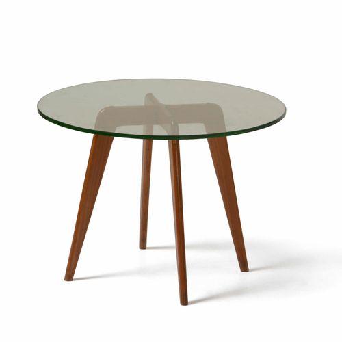 Tavolo basso con struttura in legno e piano in cristallo molato., Prod. Italia, …
