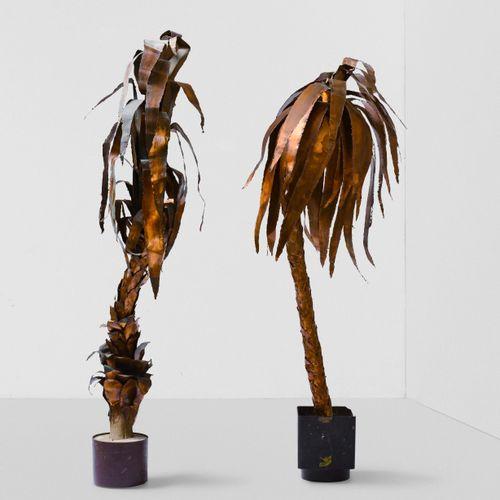 Due palme ornamentali in rame e metallo laccato., Prod. Italia, 1960 ca. Circa c…