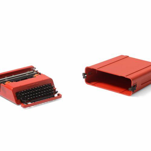 Ettore Sottsass, Machine à écrire mod. Valentine créée pour les bureaux Olivetti…