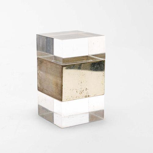 Gabriella Crespi, Scatola in plexiglass con elementi in acciaio. Firma incussa. …