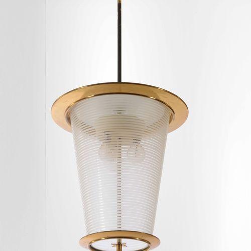 Pietro Chiesa, 吊灯,黄铜框架和玻璃扩散器。意大利Fontana Arte公司制造,约1940年,尺寸33x75
