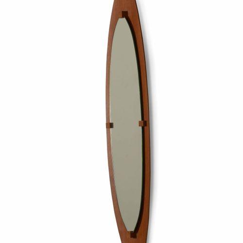 Specchio da parete con struttura in legno compensato curvato e cristallo specchi…