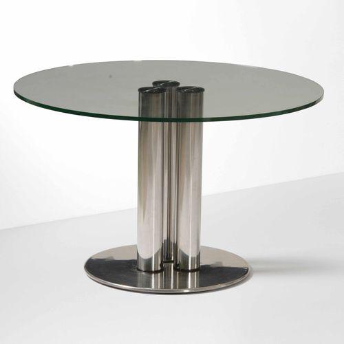 Marco Zanuso, 马库索圆桌,钢架和地面玻璃桌面。意大利Zanotta制造,1970年,约115x72厘米