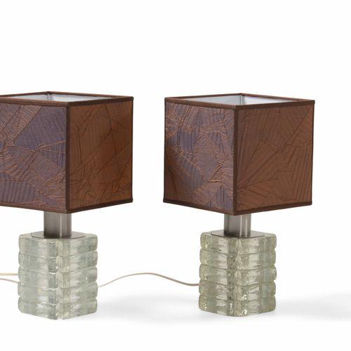 Albano Poli, Coppia di lampade da tavolo con base in vetro e paralume. Prod. Pol…