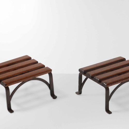 Coppia di pouf con struttura in metallo e legno., 意大利制造,1950年 约25x25x14厘米