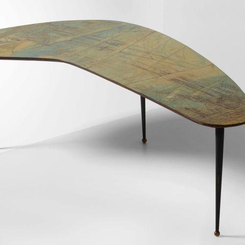 Decalage, Tavolo basso con piano in legno dipinto e sostegni in metallo laccato …