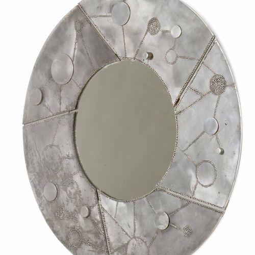 Bianca Garinei, Specchiera con grande cornice in alluminio sbalzato. Prod. Banci…