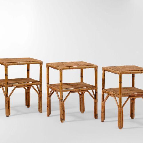 Set di tre tavoli occasionali con struttura in bambù e vimini., 意大利制造,1970年,约46x…