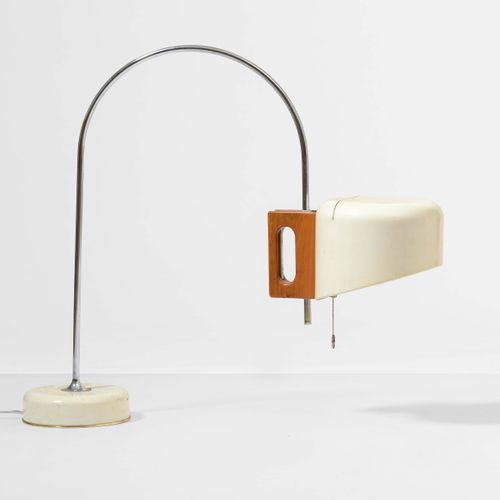 Joe Colombo, Lampada da tavolo mod Coupè con struttura in metallo cromato, base …