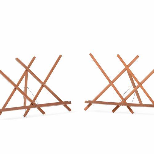 Pierluigi Ghianda, Coppia di leggii pieghevoli con struttura in legno. Prod. Ghi…