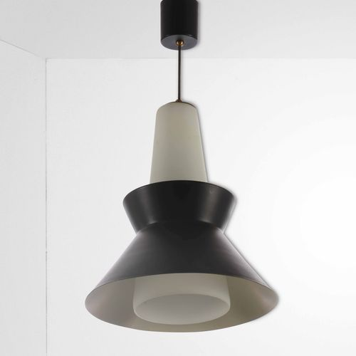 Lampada a sospensione con diffusore in vetro opalino e metallo laccato., Prod. I…