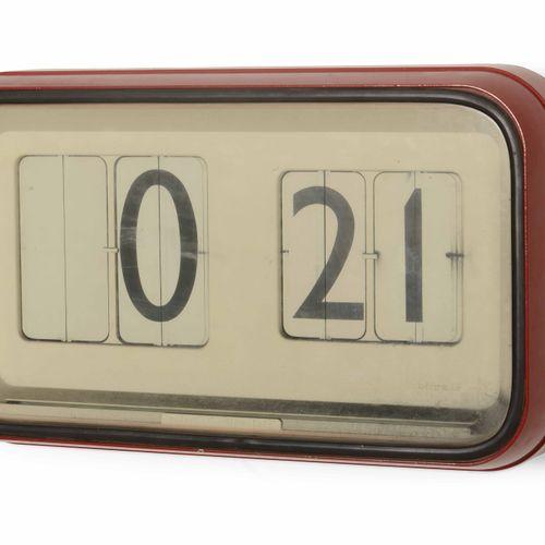Gino Valle, Horloge murale mod. Cifra 12 En métal laqué, plexiglas et matière pl…