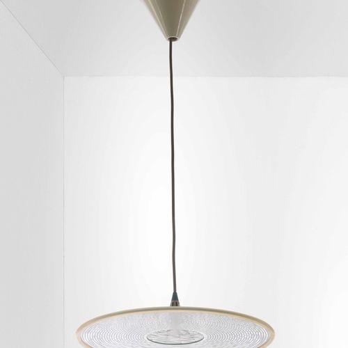 Mario Marenca, Lustre en métal Mera avec diffuseur en verre. Fabricant Artemide,…