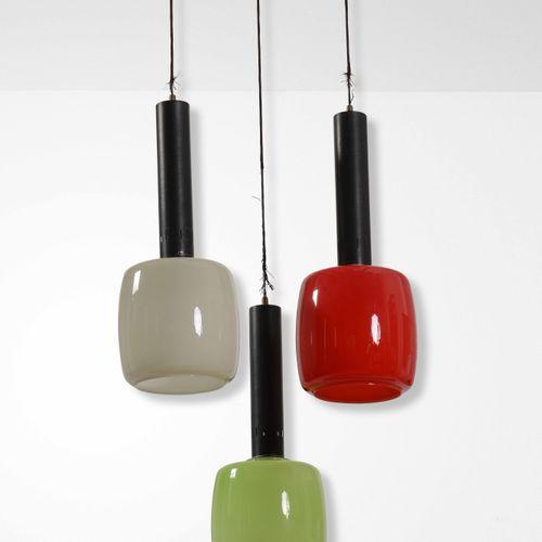 Stilnovo, Lampada a sospensione con struttura in ottone e metallo laccato e diff…