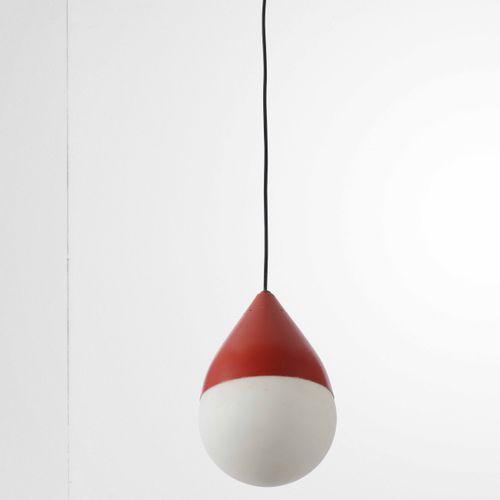 Stilnovo, Suspension, hauteur réglable, métal laqué et diffuseur en verre opalin…