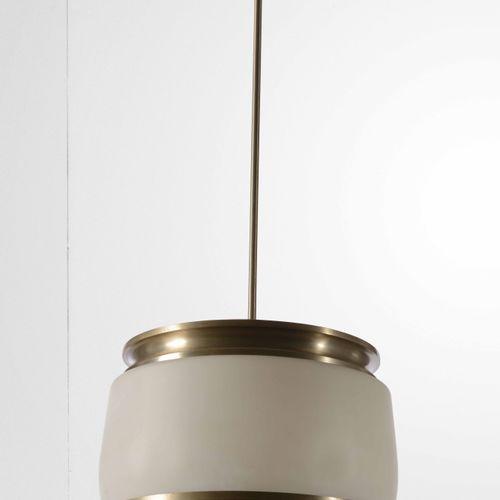 Sergio Mazza, 吊灯,镀镍金属结构,乳白色玻璃扩散器。制造商Artemide,意大利,1970年 约40x100厘米