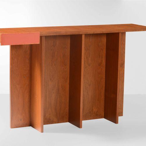 Poltronova (attribuzione), Consolle con cassetto. Struttura in legno e legno lac…