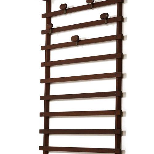 Appendiabiti da parete con struttura in legno., Prod. Italia, 1960 ca. Cm 108x27…