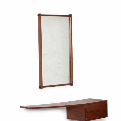 Consolle e specchio con struttura in legno e cristallo specchiato., Prod. Italia…