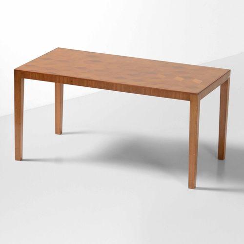 Tavolo basso con struttura e piano in legno., Prod. Italia, 1950 ca. Cm 53x101x5…