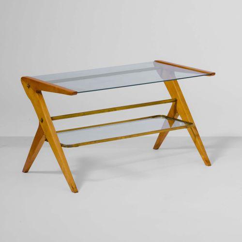 Tavolo basso con struttura in legno e ottone, piani in cristallo molato., Prod. …