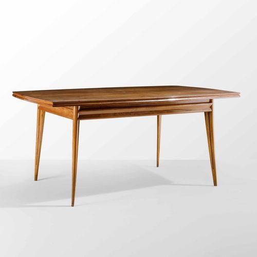 Apelli e Varesio, Tavolo allungabile con struttura e piano in legno. Certificato…