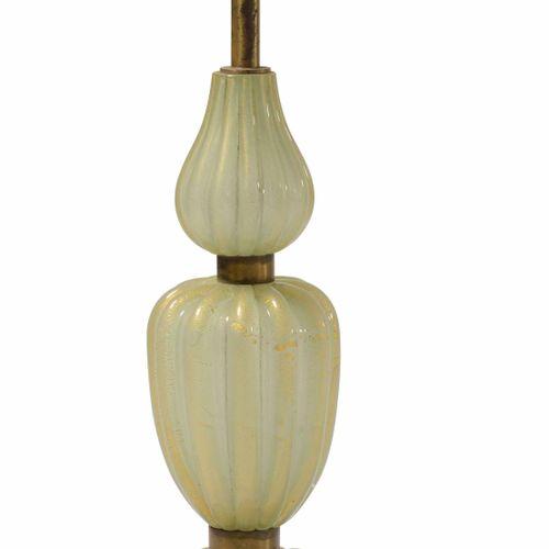 Lampada con struttura in ottone e vetro di Murano a foglia oro., Prod. Italia, 1…