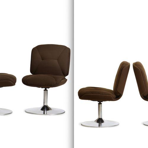 Otto sedie girevoli con struttura e base in metallo cromato, rivestimento in tes…