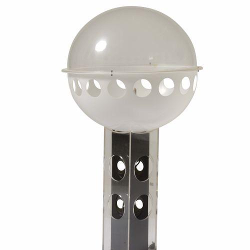 Lampada da tavolo con struttura in metallo e plexiglass., Prod. Italia, 1970 ca.…
