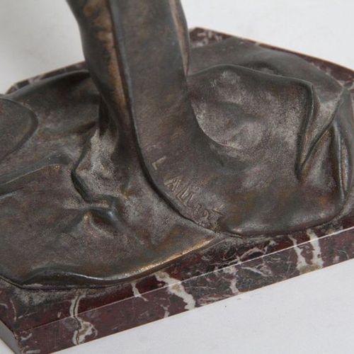 L. ALLIOT STATUE REGULE FORMANT VIDE POCHE EPOQUE ART NOUVEAU REPRESENTANT UNE N…