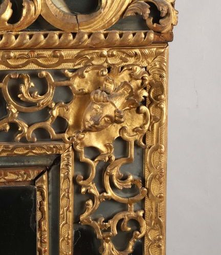 """""""Mirror with carved and gilded wooden brackets surmounted by a pediment with put…"""