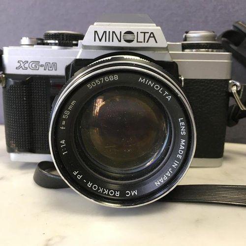 Appareil photo MINOLTA XG M, objectif MC ROKKOR 1:1,4/58 mm.