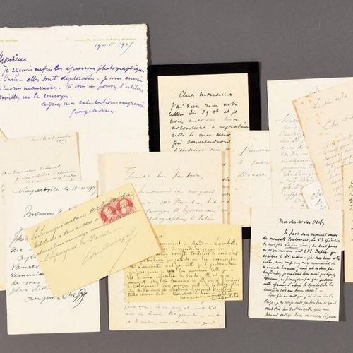 18 signed autograph letters or cards mainly from Belgian painters. C. 1905 Freck…