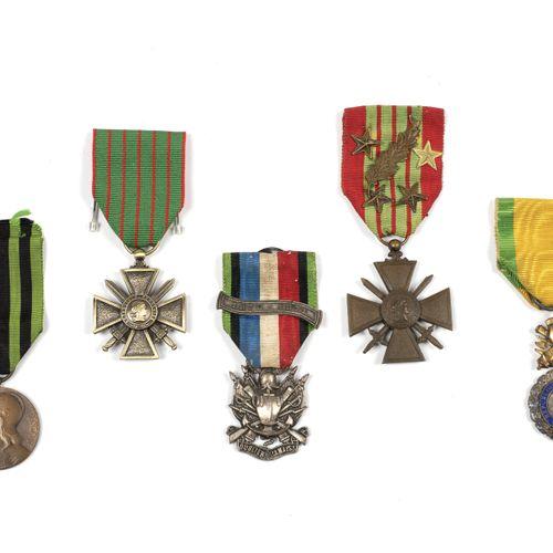 Third Republic. Lot of 5 medals. Defeat 1870, good ribbon; commemoration 1870 18…