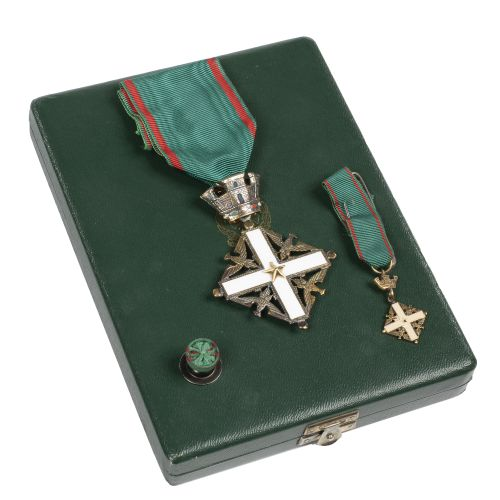 Italy. Order of the Republic (1946). Box containing the knight cross in gilded m…