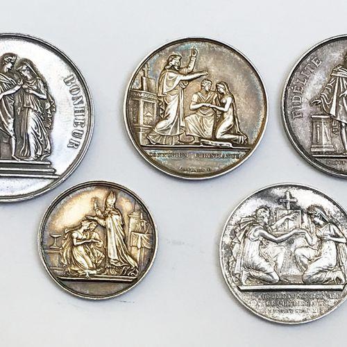 Lot de CINQ médailles en argent sur le mariage.  Diamètres: 27 mm à 39 mm. Poid…