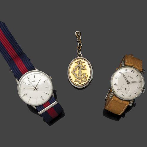 Lot comprenant une montre bracelet d'homme en métal à cadran rond marqué «Hermè…