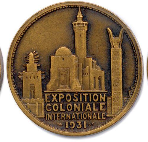 TROIS médailles en bronze  Exposition coloniale internationale 1931: Amérique d…