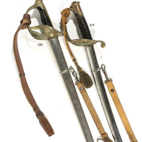 Sabre d'officier de cavalerie. Monture de type 1845 en laiton ajourée de feuilla…