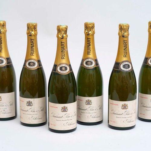 RUINARD CHAMPAGNE 6 bouteilles CHAMPAGNE RUINART 1966 Vintage (étiquettes fanées…