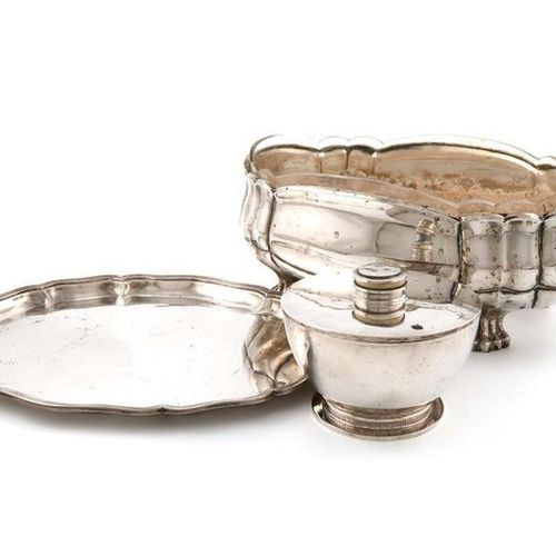 ?A mixed lot of German silver items, comprising: a jardinière, of lobed oval for…
