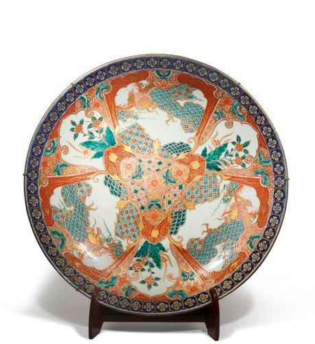 A MASSIVE JAPANESE IMARI CHARGER MEIJI OR TAISHO PERIOD, 19TH OR 20TH CENTURY Th…