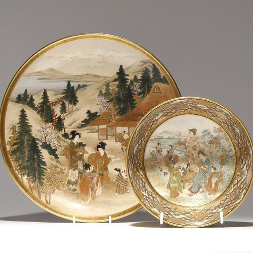 A LARGE JAPANESE SATSUMA DISH AND A BOWL MEIJI PERIOD, 19TH CENTURY The plate de…