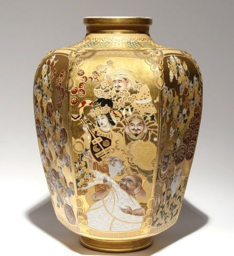 A LARGE JAPANESE SATSUMA VASE BY KINKOZAN MEIJI PERIOD, 19TH OR 20TH CENTURY The…